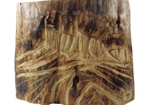 Bismantova - scultura su cirmolo 40x32 cm