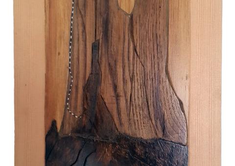 ... che spigolo !! - scultura su pino/noce  26x40x5,5 cm