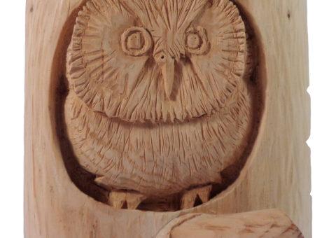 Civetta capogrosso- scultura su pino cembro 20x20x13 cm